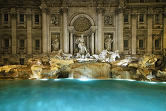 Trevi Fountain photo by nabilishes [on and off]