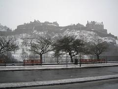 Edinburgh Castle snowing (3)