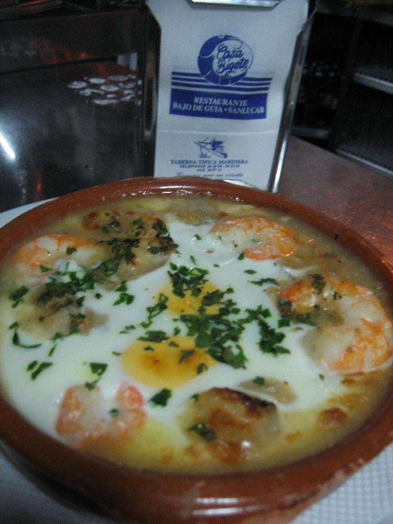 Huevos con Marisco