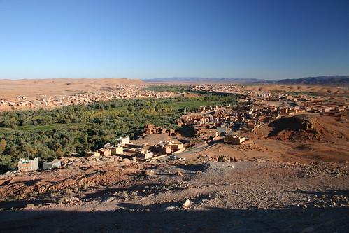 Wonderful lookout near Tinerhir - palmeraies and star wars habitats