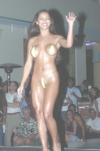BikiniContest11