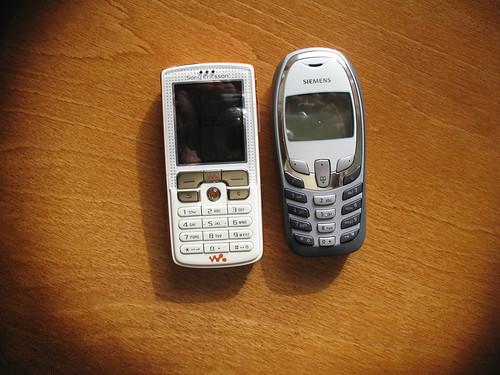 Sony Ericsson W800 i Siemens A57