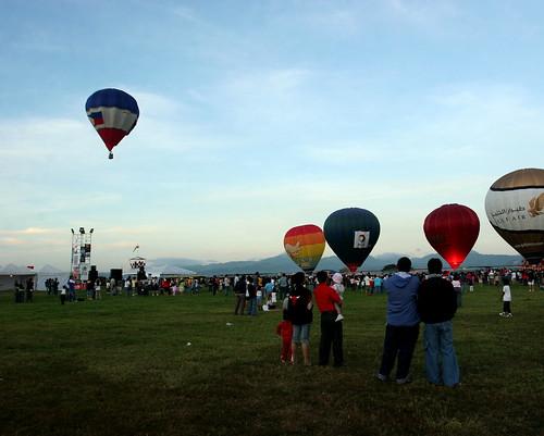 10th Balloon Fiesta (Feb. 12, 2006) - 26