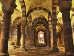 Krypta Dom zu Speyer photo by Habub3