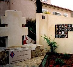 Stèle DFL- Détail et plaque à l'Ile Rousse - Col. Picuira