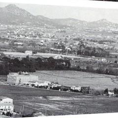 1944 - Provence- vue-du-touar-le-fenouillet-et-les-maurettes-dominant-la-rn-98-et-la-vill-d-hyeres-col-part-paul-gaujac