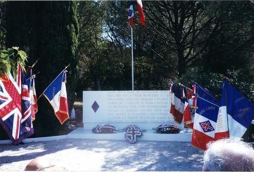 15 aout 2005 - La Croix Valmer- Inauguration de la stèle 1ère D.F.L - Fonds Pierre Tropet