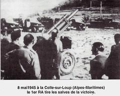 RA- 1945- La Victoire- 8 mai 1945 La colle sur loup 06 le 1er Ra tire les salves de la Victoire