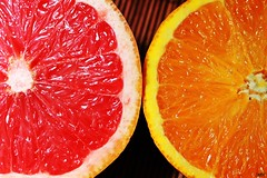 Pomelo y naranja photo by Miaw.