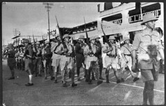 Afrique- 1940  Sept - Défilé free french à Douala