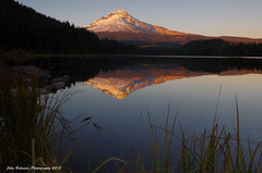 Indian Summer at Trillium Lake photo by John Behrends
