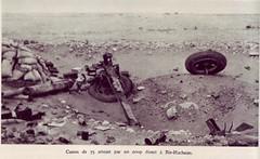 RA- 1942- Bir Hakeim  canon 75 détruit par coup direct