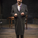 Marc Grapey (Robert Hooke) in ISAAC'S EYE at Writers Theatre.  Photo by Michael Brosilow.