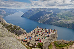 Preikestolen (The Pulpit), the OMG View photo by iharsten
