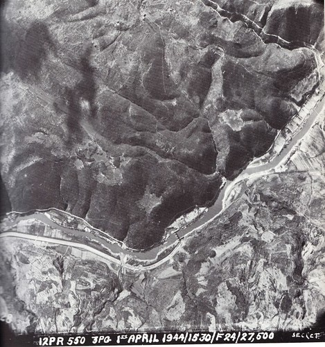 1944 - Italie vue aerienne Garigliano- 1 avril 44 gaujac