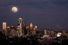 Super Seattle Moon photo by howardignatius