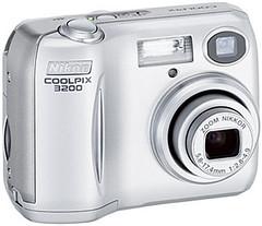 nikon-coolpix-3200