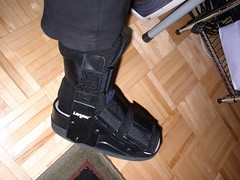 Boot for broken sesamoid bone