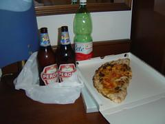 Pizza y cerveza