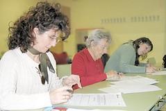 Algunas de las asistentes al curso, en plena tarea