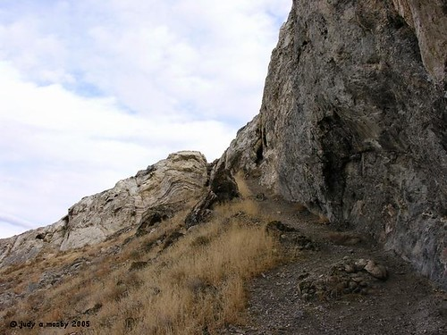 Looking  up the trail to Lovelock Cave