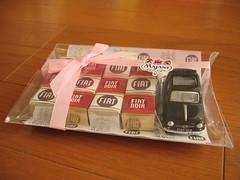 ベリッシモ・オリジナルのFIATチョコ&ミニカーセット