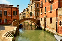 Venice : Ponte Ruga Vecchia / Rio San Zan Degola photo by Pantchoa
