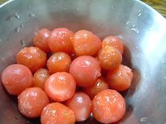 ミニトマト1パックを湯むきしたところ