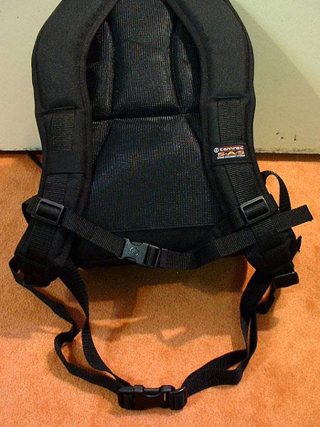 [分享]雙肩相機包-Tamrac 5546(補腳架收納方式)