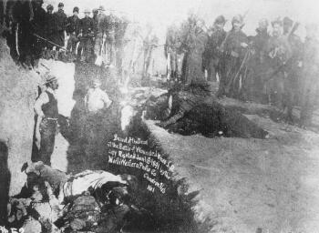 wounded knee-mass grave