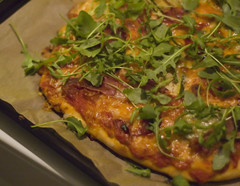 Pizza with parma ham and rocket