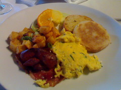 Adesso - English Muffin with potatoes, chorizo, omlette