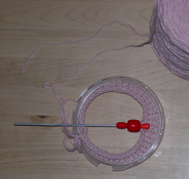 Knitting Circular Needles Without Joining : Crocheted tricotin french knitting loom