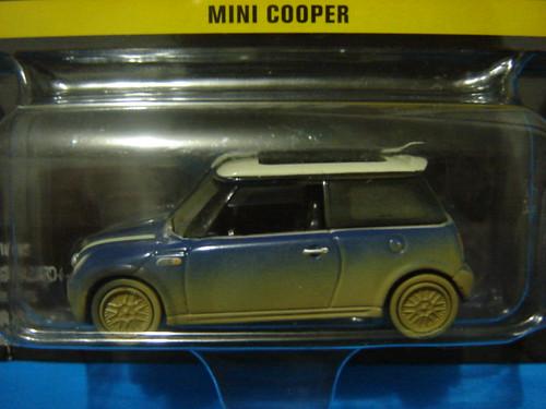 'Italian Job' Mini Cooper, dirty blue. 1:64.
