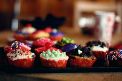colorful cupcakes! photo by ginnerobot