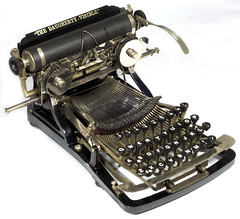 Daugherty typewriter - 1893, www.antiquetypewriters.com photo by antique typewriters