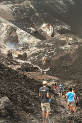 Cerro Negro descending into the sulfur vents 4