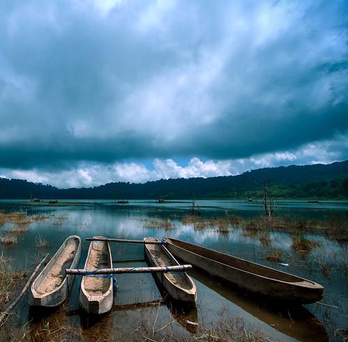 Tamblingan lake, Bali