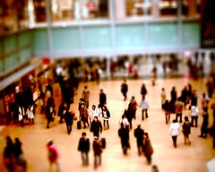 Tilt-shifted concourse photo by nra24
