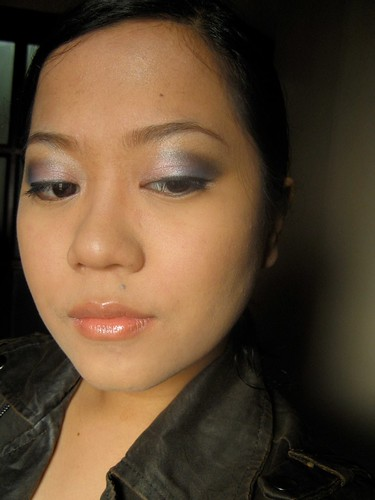I've been wearing lately, so I thought of a smoky blue and pink eye.