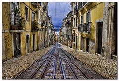 Pasear por Lisboa   Walking around Lisbon photo by jaroro70