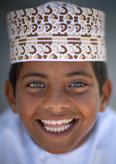 Blue eyed kid in Masirah Island , Oman photo by Eric Lafforgue