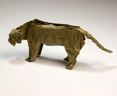 Siberian tiger photo by paper folding artist redpaper