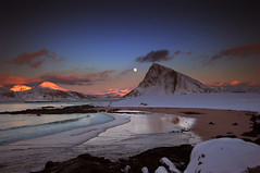 Wintermoon above Offersøykammen photo by steinliland