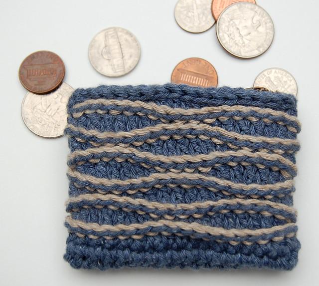 Nihon Chic – Kyuuto Ball Coin Purse – FREE Crochet Pattern!