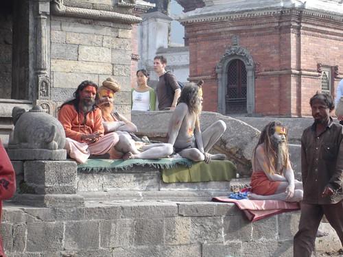 Yoghini la templul Pashu-Pati in Kathmandu, Nepal