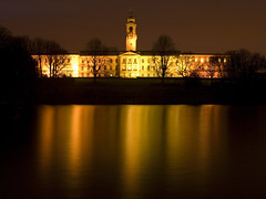 Golden Reflections of the Trent Building at the University of Nottingham photo by DaveKav