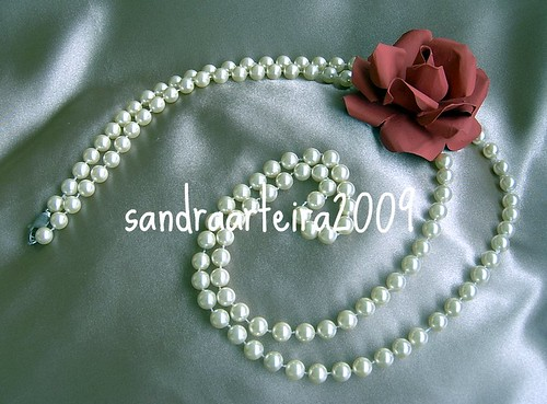 colar de pérolas com flor de lata de refri/flower can of soda photo by Ƹ̵̡Ӝ̵̨̄Ʒ ♥sandraarteira2009♥