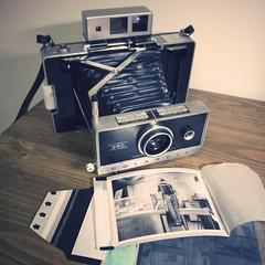 Polaroid Automatic 250 Land Camera photo by W▲DE