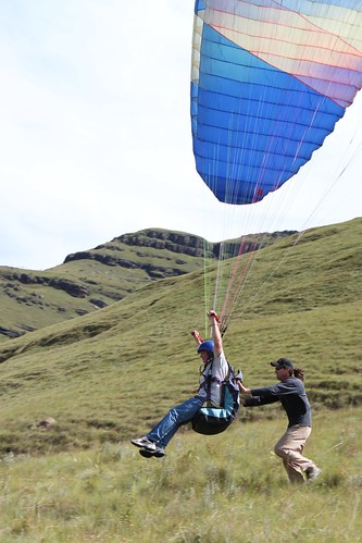 4629040493 a6504b62e2 How To Paraglide